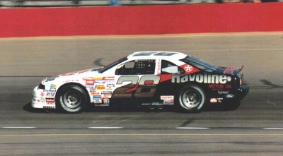 Davey Allison's 1989 car - The Robert Yates Havoline Texaco Ford #28  (Wikimedia Commons/us44mt)