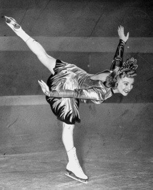 Sonja Henie skates, 1941 (Associated Press/N.N./dapd)