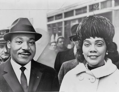 Dr. and Mrs. King, 1964 (Wikimedia Commons/Herman Hiller)