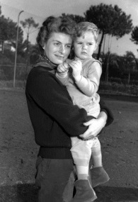 American movie star Ingrid Bergman holds her son in this 1952 filer. Bergman died of breast cancer on Aug. 29, 1982. (AP Photo)