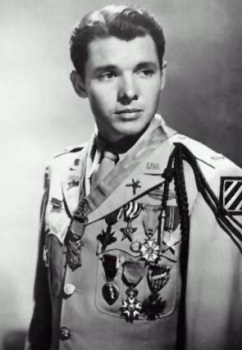 Audie Murphy (Image via Wikimedia Commons/U.S. Army)