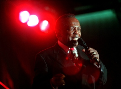 Lou Rawls performs at The Coconut Club, shown in this Saturday, Nov. 7, 1998, handout photo in Beverly Hills, Calif., showcasing his current record release